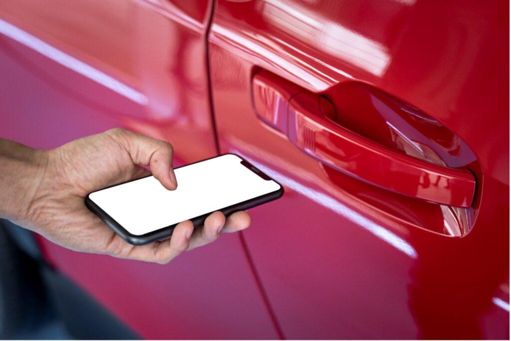 Türschloss mit Smartphone öffnen